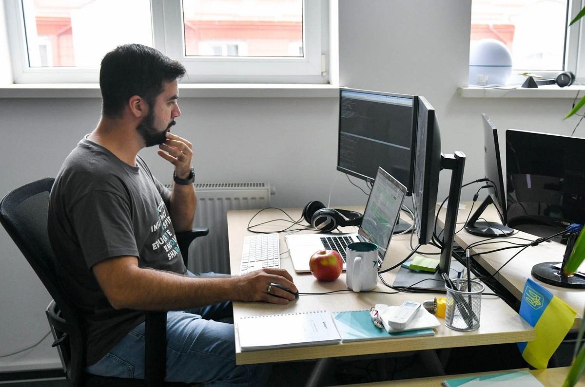 типовий український офіс